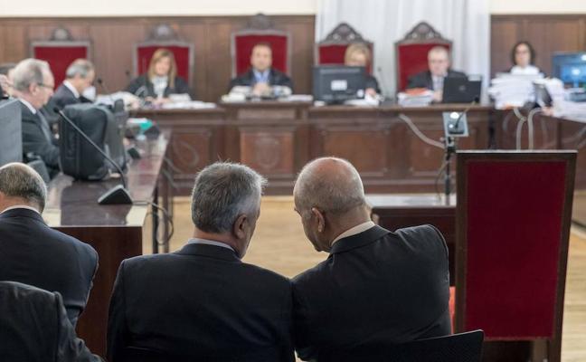 La Fiscalía pide 114 años de cárcel en el juicio de la pieza política del 'caso ERE'