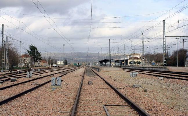 La Junta llevará al Parlamento un pacto por el tren Algeciras-Bobadilla