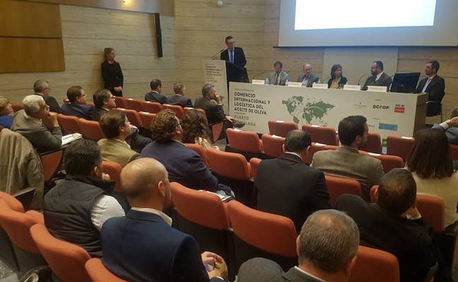 El Puerto de Málaga aspira a ser el principal exportador de aceite de oliva del mundo