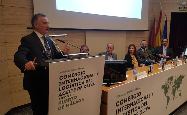 """El presidente de la Autoridad Portuaria aboga por hacer de Málaga el epicentro de los """"grandes bróker"""" del aceite en el mundo"""