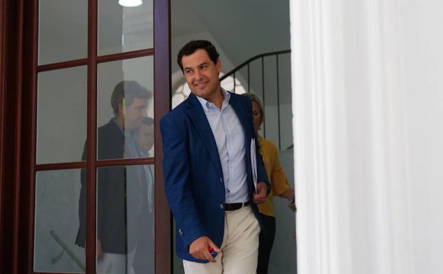 """Juanma Moreno pide a la Junta """"rigor"""" en la solución a las 35 horas y no """"decisiones a la carrera"""""""