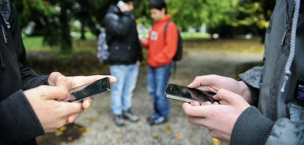 Las redes sociales se convierten en el escenario de los conflictos y delitos entre menores