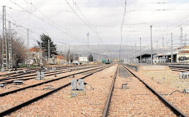 El ministro de Fomento se compromete a que la línea Bobadilla-Algeciras esté en 2021