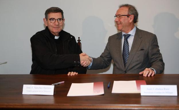 José Sánchez y Juan Cobalea, tras la firma del acuerdo. /S. Fenosa