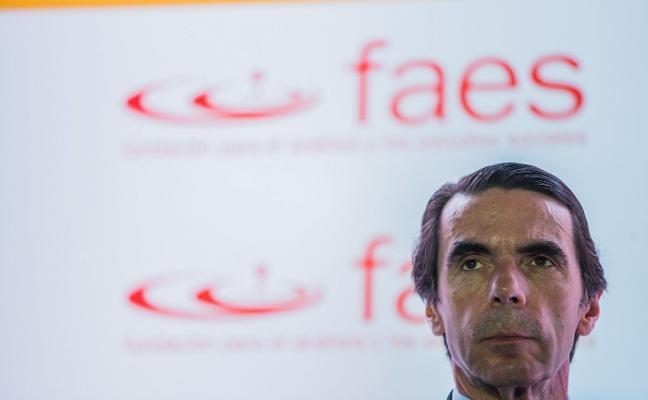 Aznar acusa a Rajoy de falta de «discurso y estrategia» en Cataluña