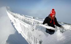 El impresionante puente colgante helado