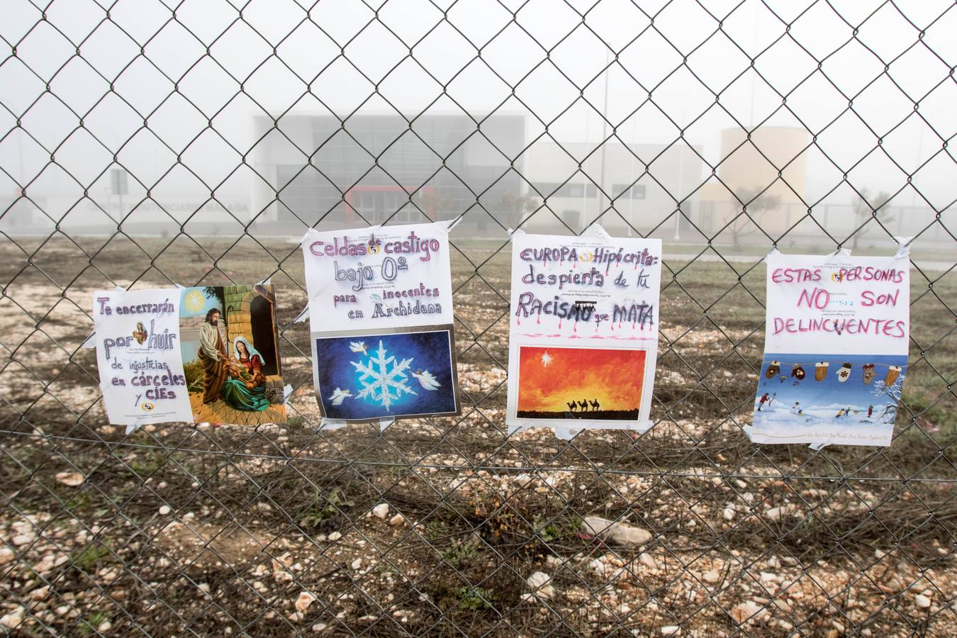 Piden ante la cárcel de Archidona la dimisión de Zoido por la muerte del inmigrante