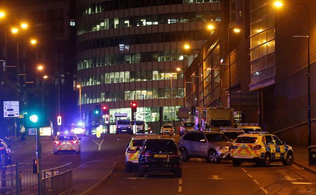 Un 'héroe' del atentado de Mánchester reconoce que robó a varias víctimas
