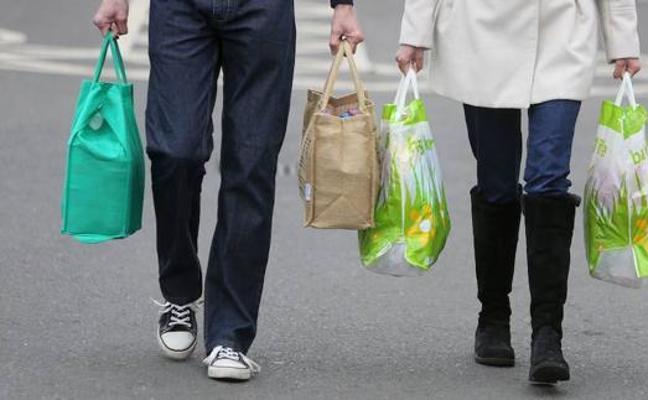 649 familias malagueñas reciben una ayuda municipal de hasta 780 euros para alimentos