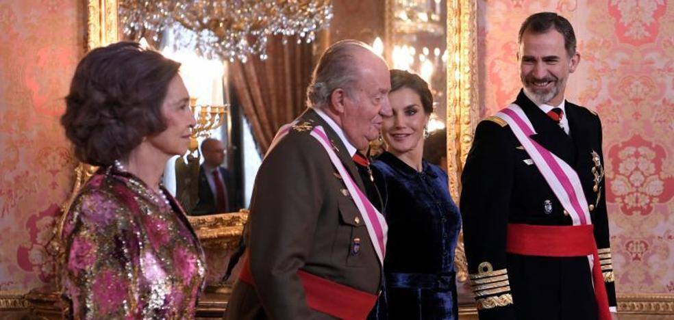El Rey honra a su padre por «tantos años de servicio leal» a España