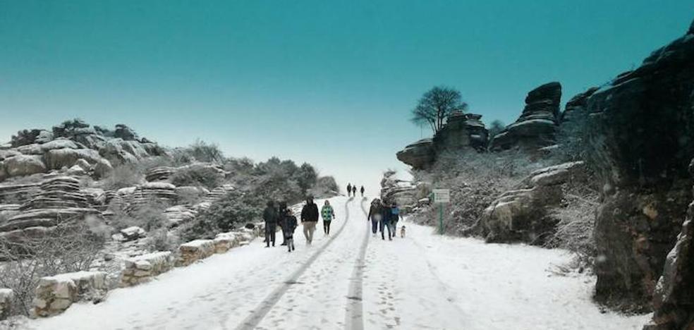 La nieve vuelve a El Torcal, donde sigue activado el aviso amarillo por nevadas