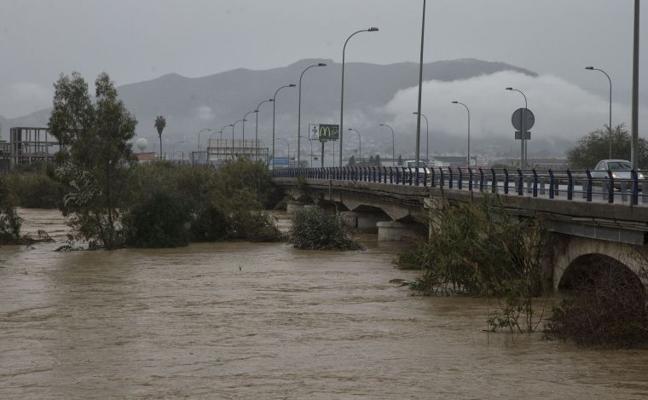 El PSOE exige al Gobierno central que actúe «de forma inmediata» en el puente de la Azucarera
