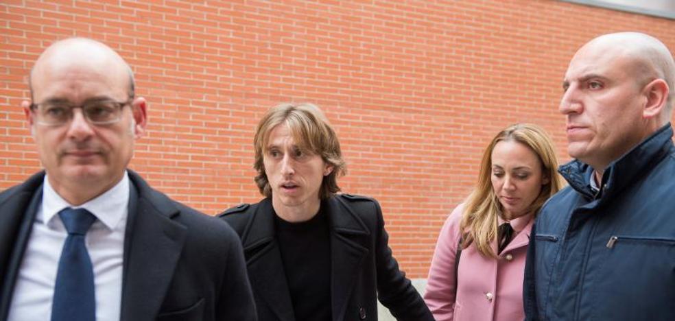Modric paga un millón a Hacienda pero sigue imputado por fraude fiscal