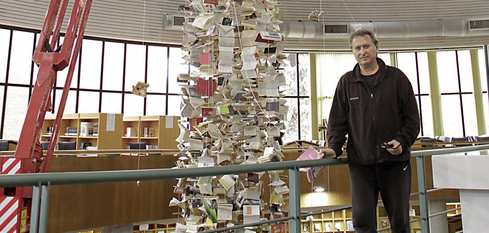 La Biblioteca General se cuelga con los libros