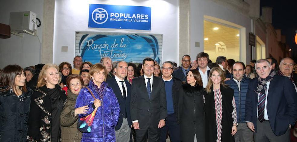 Juanma Moreno asegura que el candidato de Málaga se conocerá antes de abril y se consensuará con el alcalde