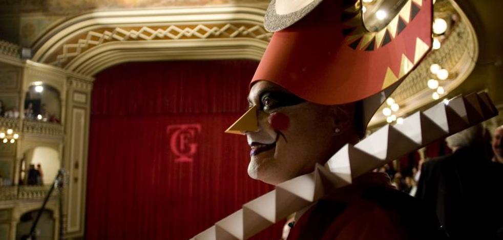 Seis comparsas de Málaga participan en el concurso de agrupaciones del Carnaval de Cádiz