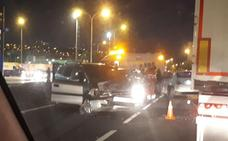 Aparatoso accidente de tráfico en la entrada a Ciudad Jardín