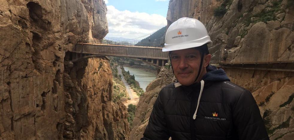 Antonio Banderas vuelve al Caminito del Rey