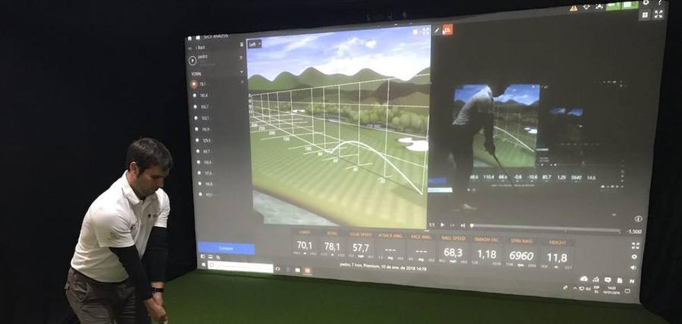 Golfistas bajo techo