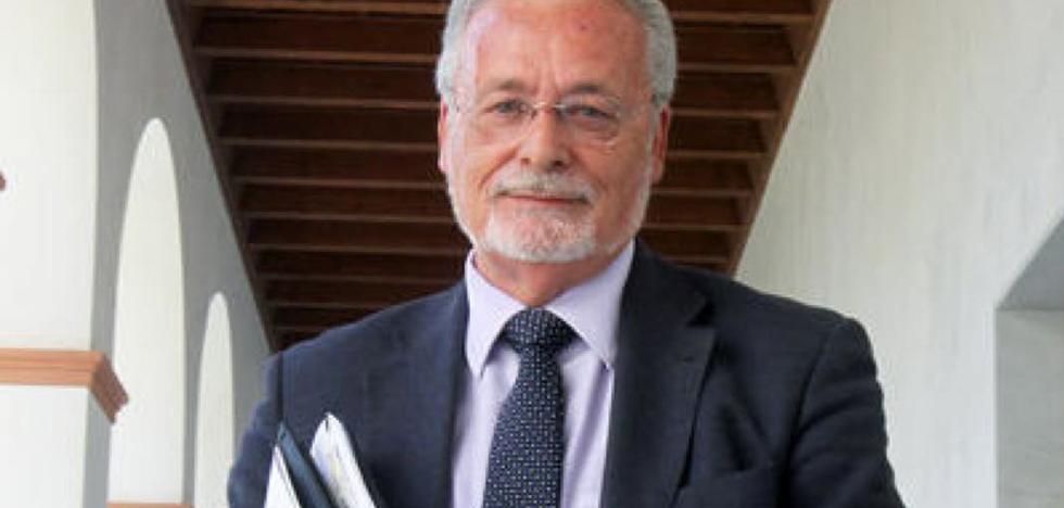 El Defensor andaluz propondrá a los diputados debatir sobre la eutanasia