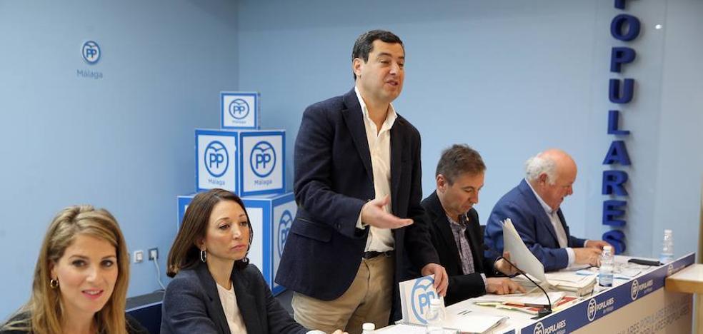 Juanma Moreno dice que si De la Torre no repite el PP tiene «banquillo»