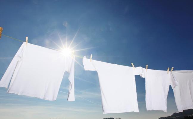 ¿Hay que lavar la ropa nueva antes de estrenarla? Esto es lo que ocurre cuando no lo haces