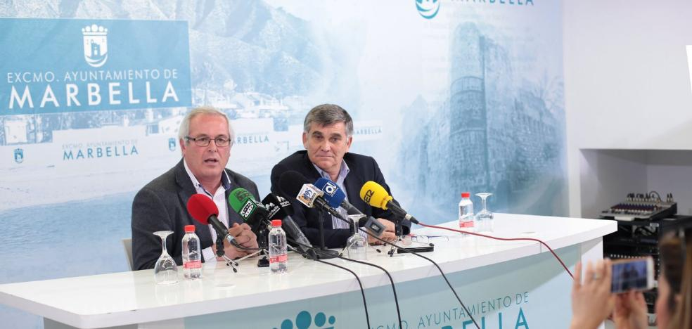 Piña revela que el tripartito ya había consensuado un plan de externalización de servicios municipales