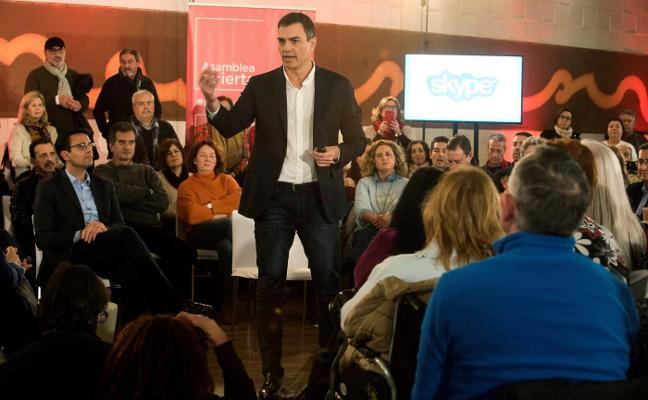 Pedro Sánchez celebra en Granada su primera asamblea abierta con la ausencia de Susana Díaz