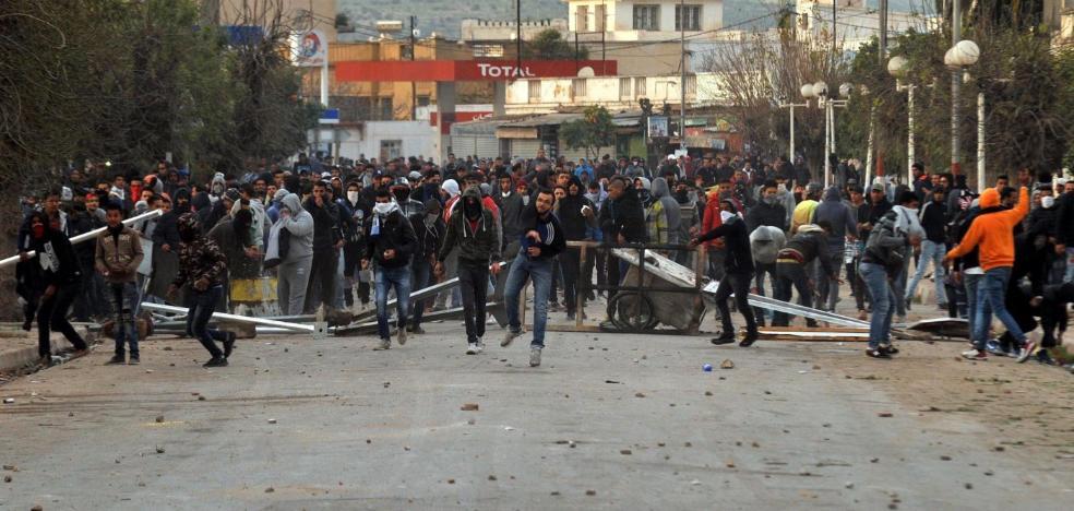 Túnez despliega el Ejército para contener las protestas sociales