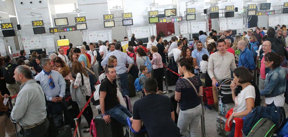 El aeropuerto de Málaga supera los 18 millones de pasajeros en 2017, un registro histórico