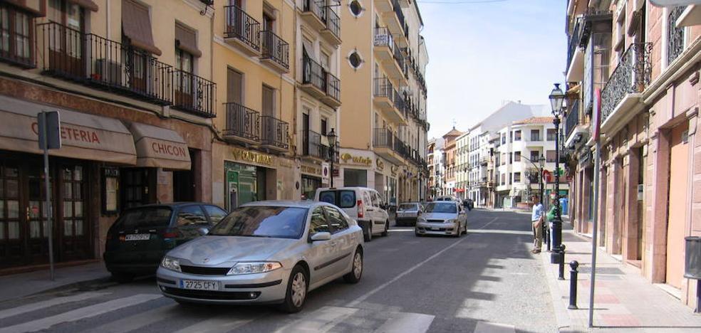 Herido leve un niño de seis años tras caer desde una tercera planta en Antequera