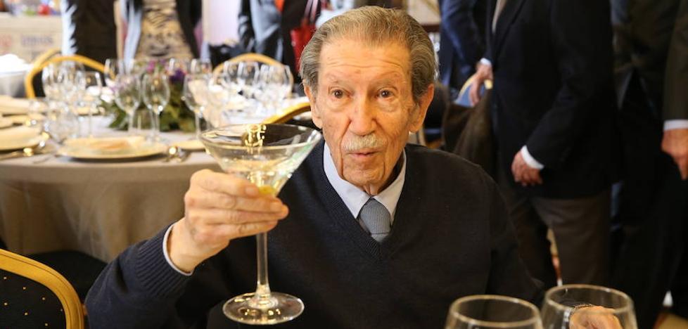 Manuel Alcántara: «Los amigos no son solo los hermanos que elegimos, sino también los que nos eligen»