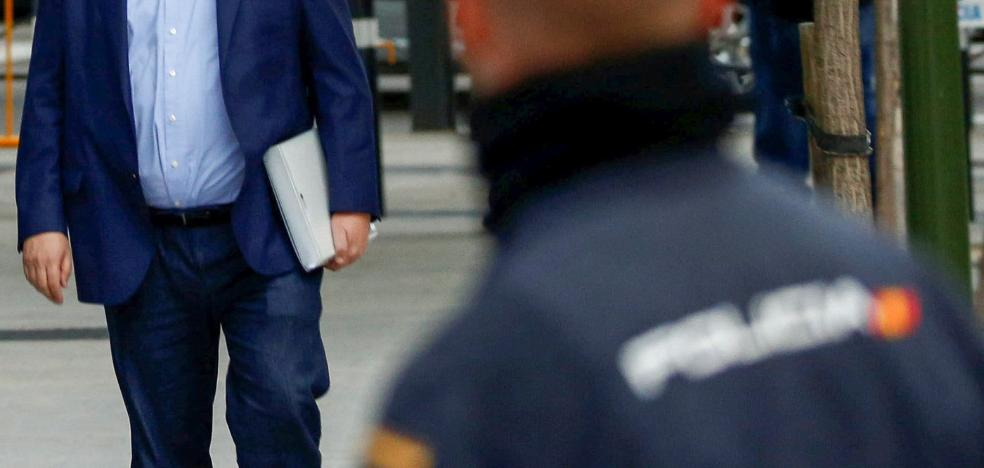 El juez del Supremo cierra la puerta del Parlament a Junqueras, Forn y Sànchez