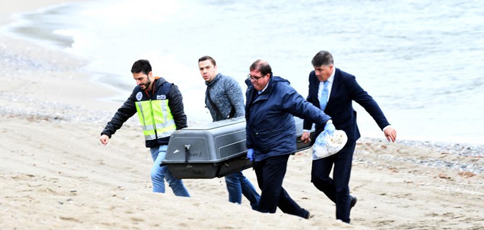 Aparece el cuerpo de una mujer en una playa de Marbella