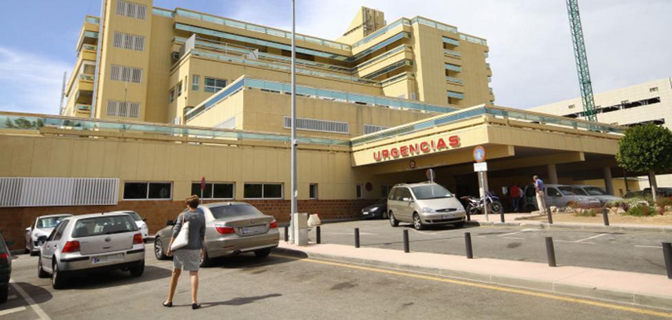 Detienen a una mujer por llevarse un maletín con material quirúrgico del Hospital Costal Sol