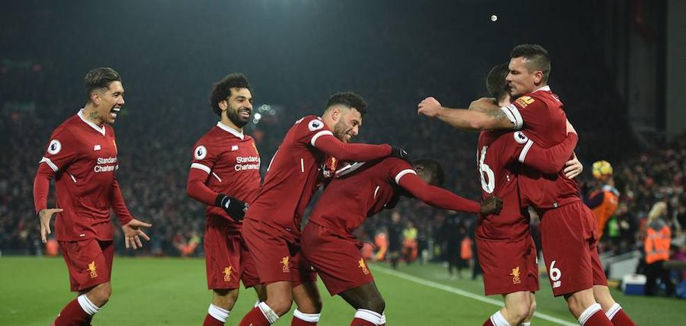 El Liverpool somete al City