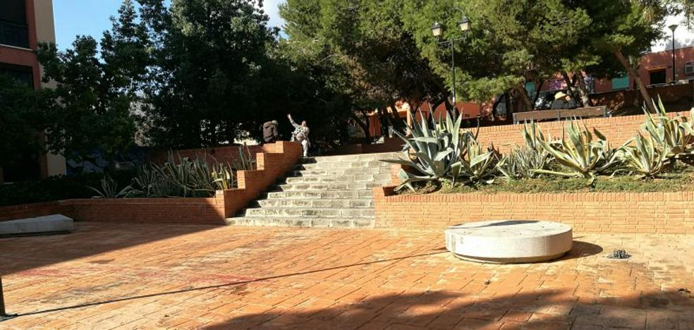 Miguel de los Reyes: una plaza sin placa