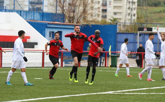 Un gol de Cintrano resuelve el derbi ante el Vélez