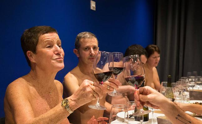 El primer restaurante en el que se puede comer desnudo está en parís