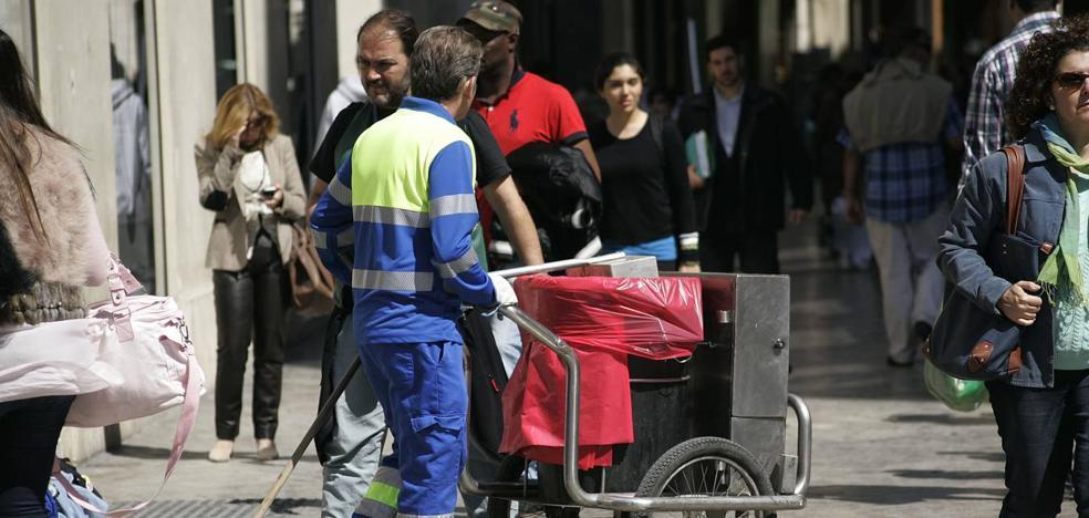 La plantilla de Limasa decide este domingo las medidas contra la división de la empresa en dos