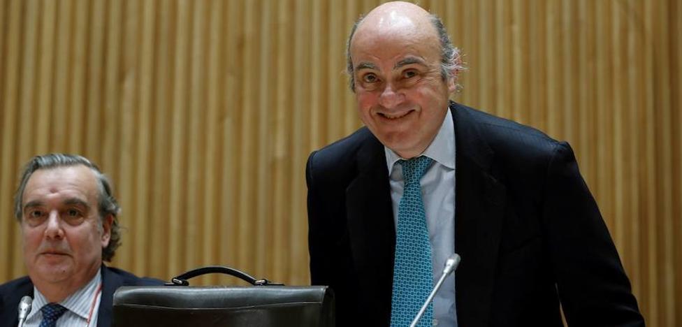 De Guindos apunta que la alternativa al rescate habría sido la salida del euro