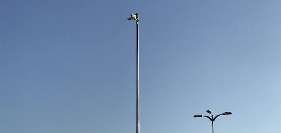 La instalación de cámaras en los polígonos de Málaga vuelve a retrasarse tras una década de espera