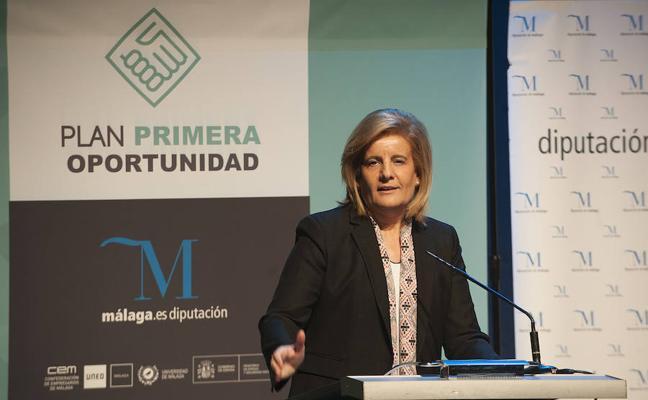 Báñez prevé implantar el Plan Primera Oportunidad de inserción laboral de universitarios