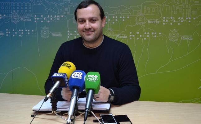 IU da por zanjado el 'caso boda' y evita una crisis de gobierno en Ronda