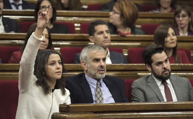 Arrimadas acusa al sucesor de Forcadell de mantener la misma línea rupturista