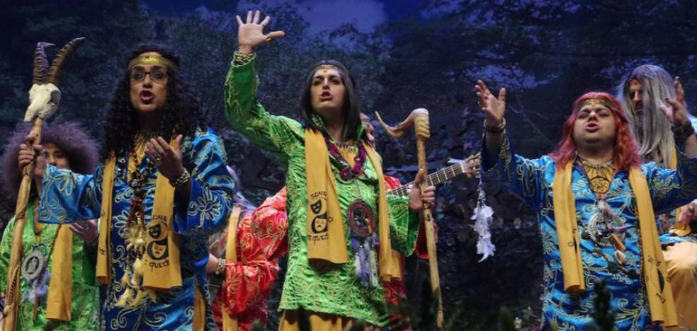 Primera noche de preliminares del Carnaval de Málaga y primer homenaje a Chiquito de la Calzada