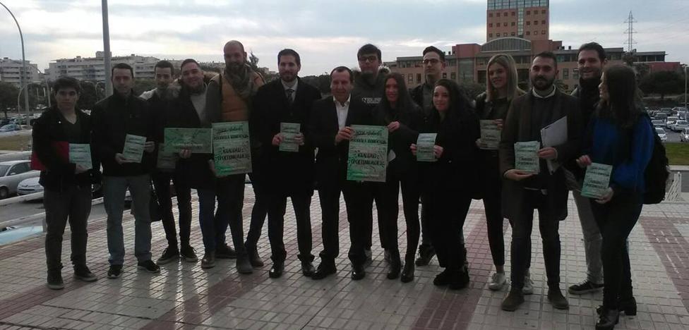 Juventudes Socialistas inicia una campaña en la UMA para informar sobre la bonificación de las matrículas
