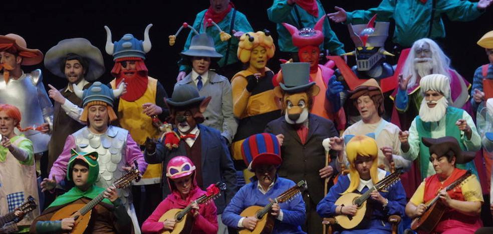 Un cuarteto de verdad, un coro y la comparsa del Perchel hacen las delicias del teatro