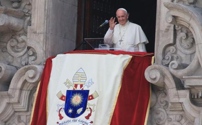 El papa Francisco: «¿Qué pasa en Perú que todos los presidentes acaban presos?»