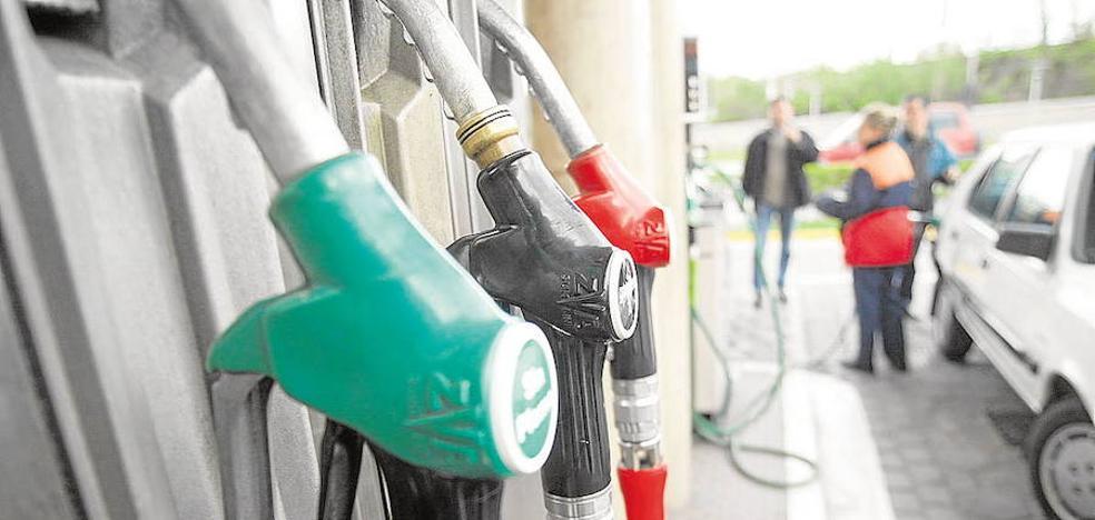 Un ciudadano reduce a un ladrón que robó en dos gasolineras de Marbella y Estepona